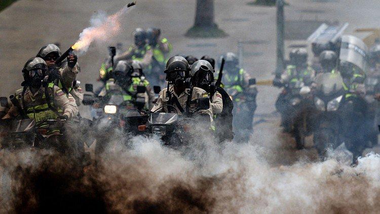 'Próprio de uma ditadura', diz líder opositora venezuelana sobre operação militar https://t.co/VEDFfTpbhm