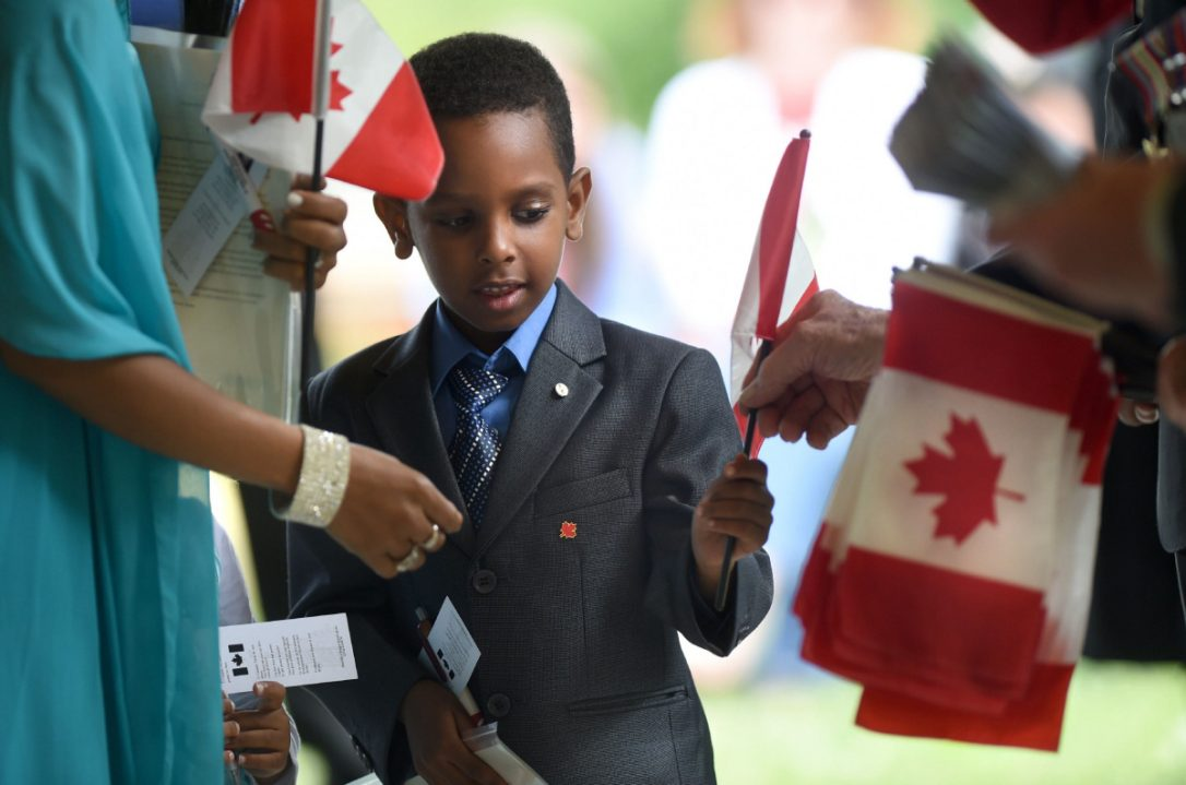 Federal government passes law to end 'second-class #citizenship' #Canada  http:// bit.ly/2syLEw9  &nbsp;   #BillC6 @TorontoStar<br>http://pic.twitter.com/EMnJ4uWc6Z