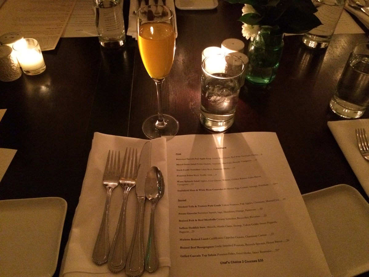 Looking for a delightful French-inspired bistro for dinner or brunch? Try Verdigris in #Portland:  http:// bit.ly/2hEb8n3  &nbsp;   #pdxeats #pdx<br>http://pic.twitter.com/rI5T30Nqtf