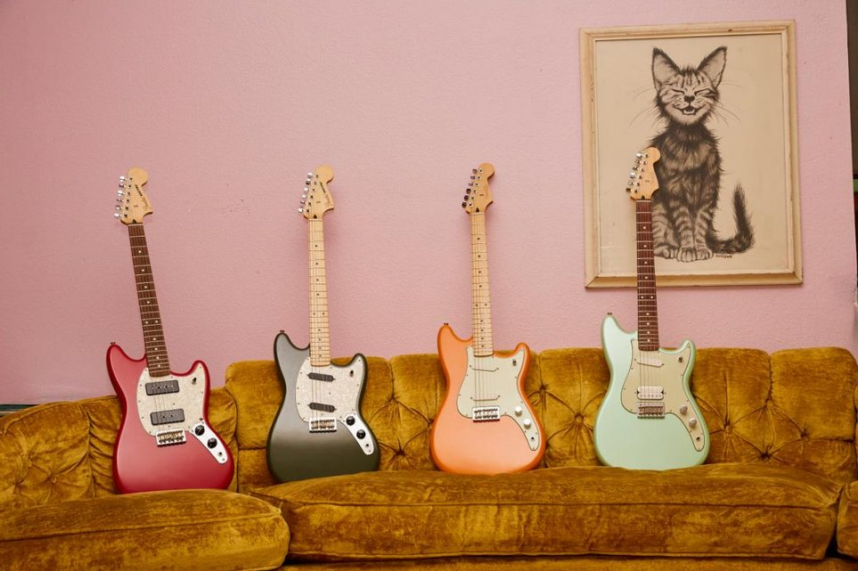 Caption this.  #FenderOffsets: https://t.co/IDdY707qQ1 https://t.co/sf...