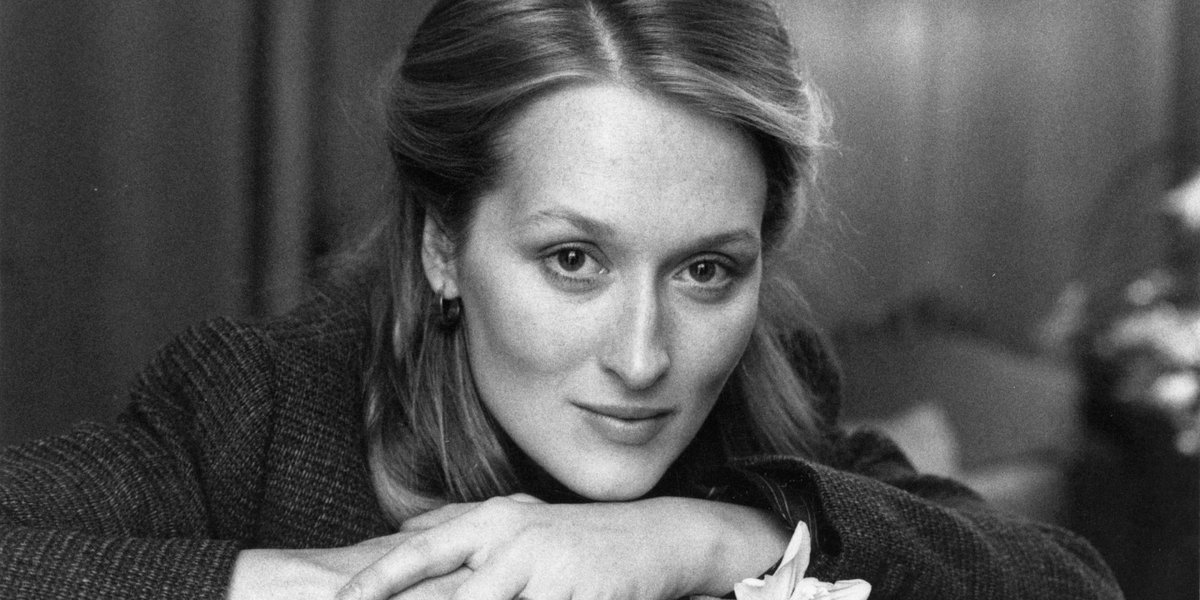 #HappyBirthday #MerylStreep, an american girl  https:// youtu.be/huY-GnlwGXs  &nbsp;  <br>http://pic.twitter.com/Ywsto1tQjZ
