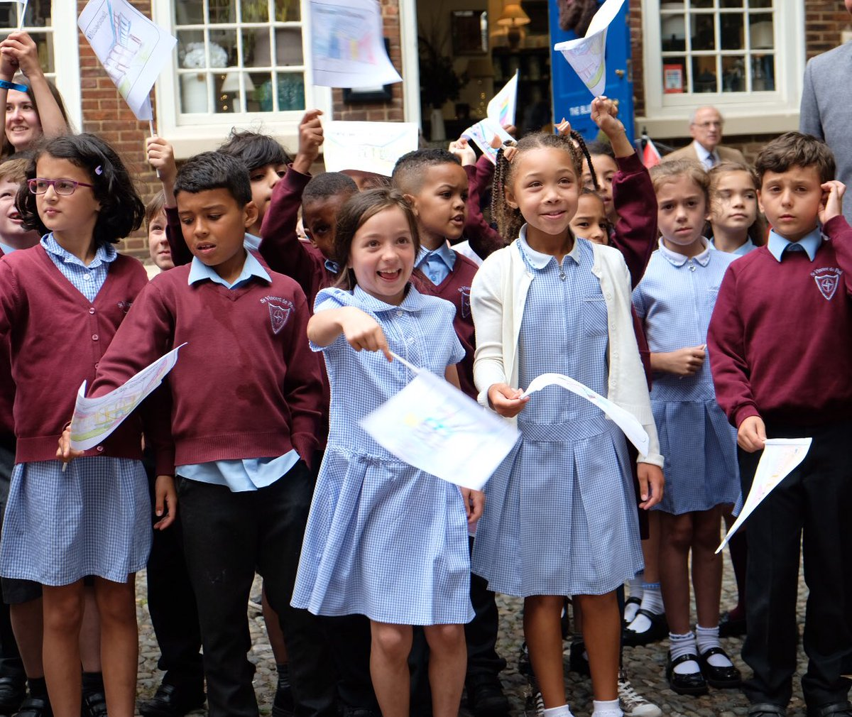 School children greeted The Earl  @theBluecoat - Liverpool's centre fo...
