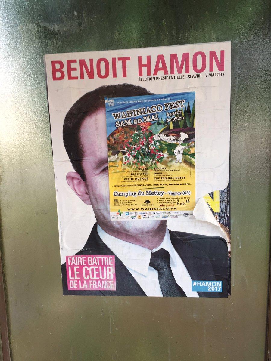 J'ai collé cette affiche le 21 avril. Elle résiste... Comme nous! #Hamon2017 #Hamon2022 ✊🏼🌱🌍🌹🇫🇷