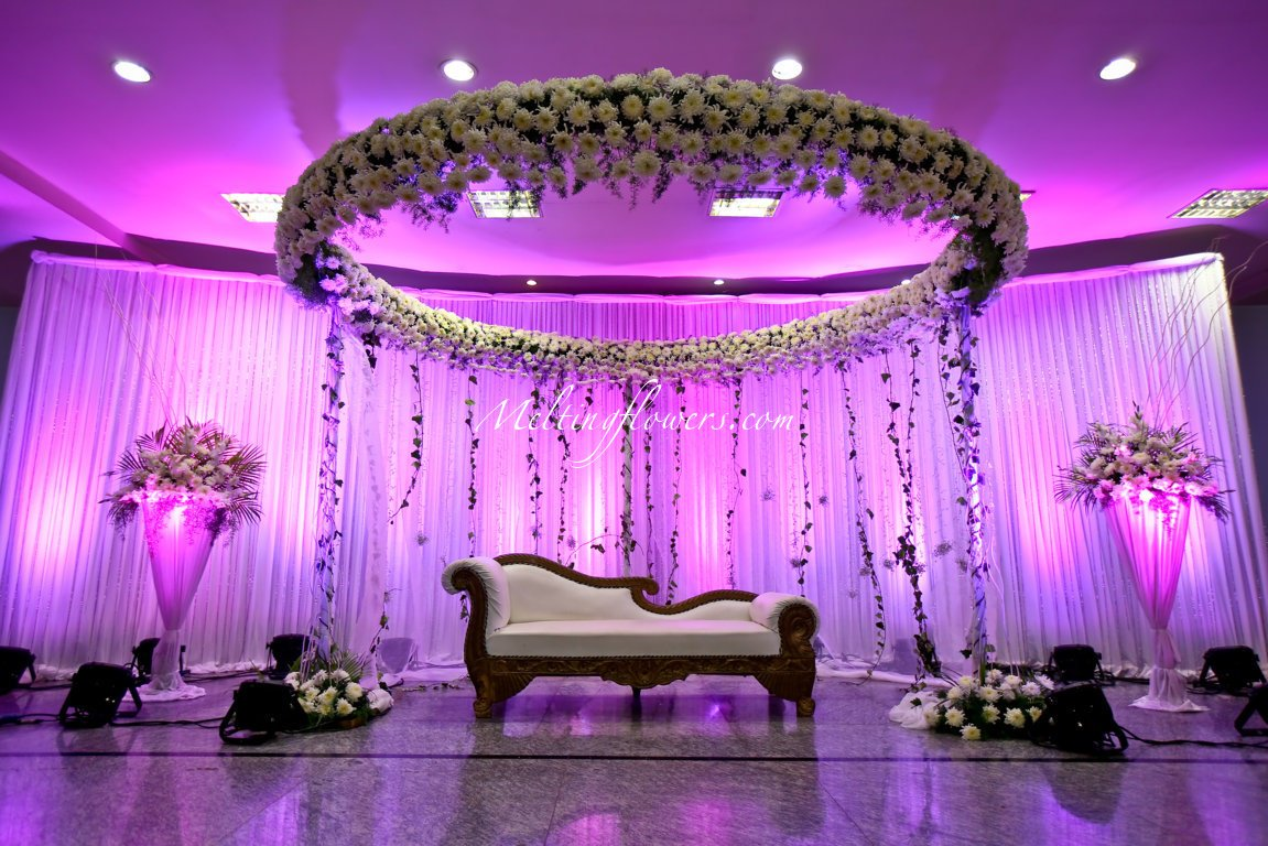 Top Five Ideas For Perfect Wedding Stage Decorations Meltingflowers Blogs 2017 06 22