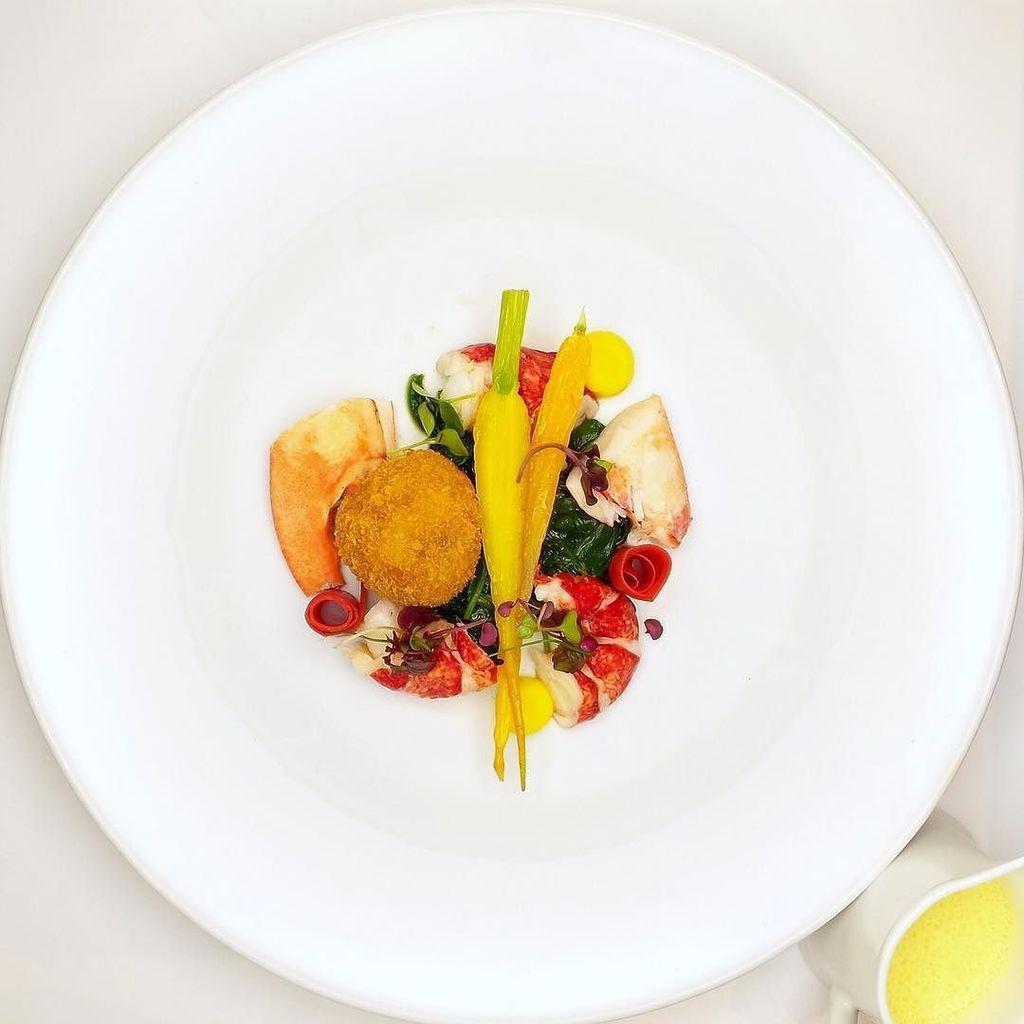 Let&#39;s welcome the summer with a delightful menu.  #therestaurant #pierrebalthazar #gastronomy #menu #delightful  http:// ift.tt/2sJnKwf  &nbsp;  <br>http://pic.twitter.com/COrjlmcjQz