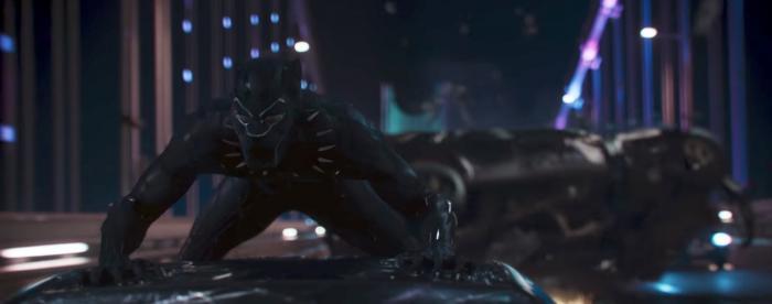 [Cine] Chadwick Boseman ha tenido escenas con hasta 9 personajes en Av...