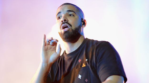 Drake Promises Not To Play Himself On New Song 'Signs' - https://t.co/...