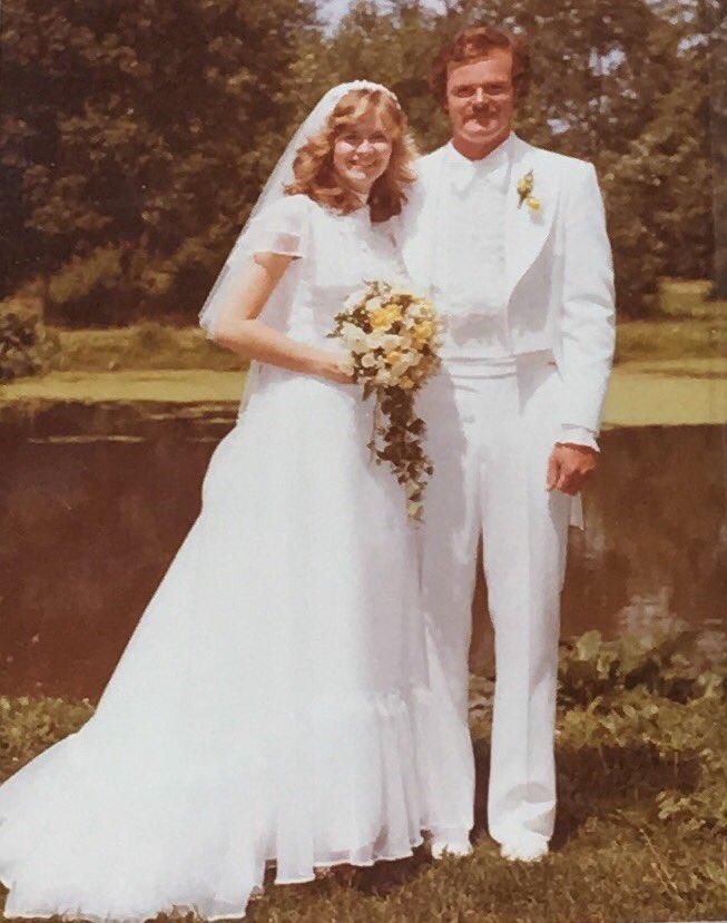 Happy 40th #weddinganniversary to these two gems #parents #love #makingitlast @kray416<br>http://pic.twitter.com/bwSI5ooG4g