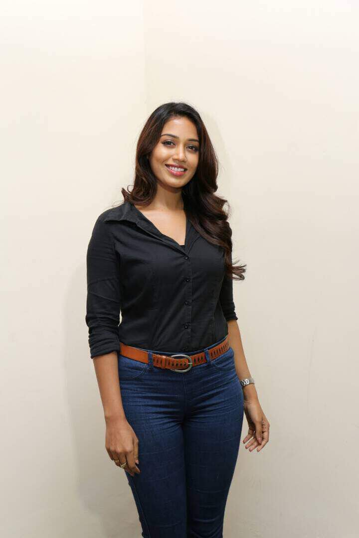 The hot and happening Tamizh ponnu @NPethuraj signs on for @vp_offl&#39;s #Party #VP8. She&#39;s on a roll bagging good projects! #GGSRAudioLaunch<br>http://pic.twitter.com/xoGSiZ8E8p