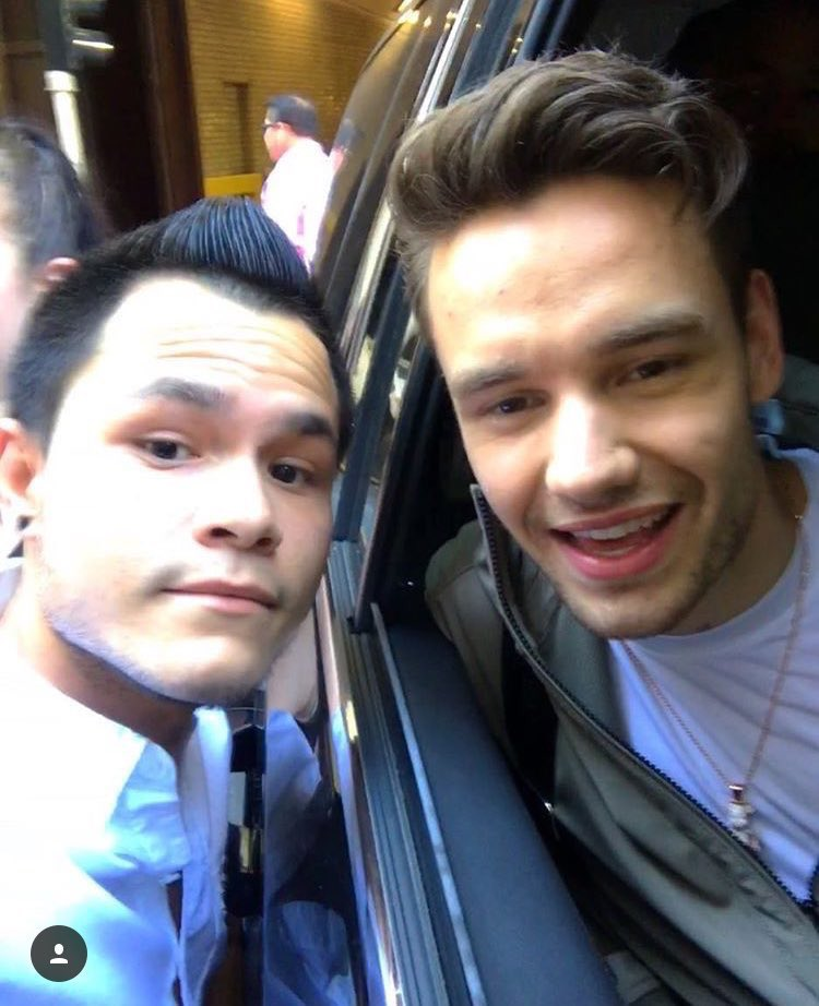 #NEW  Liam with fans in New York! #5-8 (June 21) <br>http://pic.twitter.com/oxZ9K5pzlz