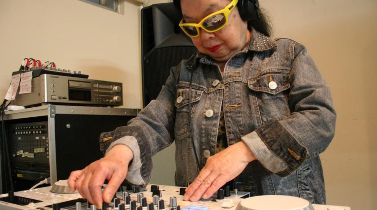 Lovin this. Who says age has to lmit u?   https:// thump.vice.com/en_us/article/ gvzd57/this-82-year-old-dumpling-djs-story-is-stranger-than-fiction &nbsp; …   #dj #DJKhaled #DJMania #Japan #JapaneseMusic #JapanToday #japanese #friday <br>http://pic.twitter.com/Y5HR4aZ0m8