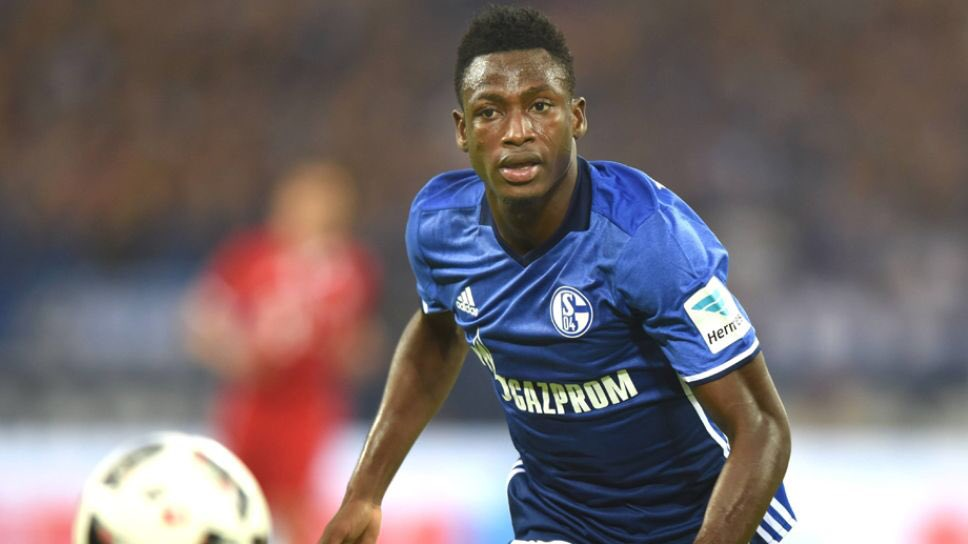 Everton have jumped ahead of Schalke in the race to sign defender Baba Rahman. [Ghana Soccer Net] #EFC <br>http://pic.twitter.com/EgT8EH19XD