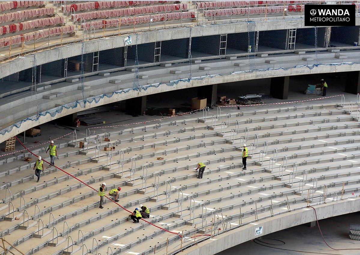 Ya se están instalando las estructuras de los asientos en la grada media ⚒ ¡Seguimos! 😃➡️ https://t.co/HVQ2CHT44i https://t.co/ewWx8Bftm1