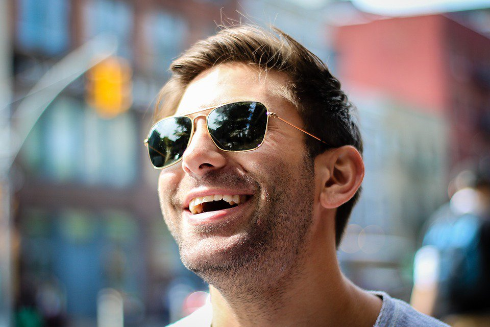 Make sure you rock this weekend in style.  #sunglasses #readyforsummer #OOTD #eyewear #friday #instyle #menwithstyle #shadesofyou #sunnyday<br>http://pic.twitter.com/qQuXKhxdH8