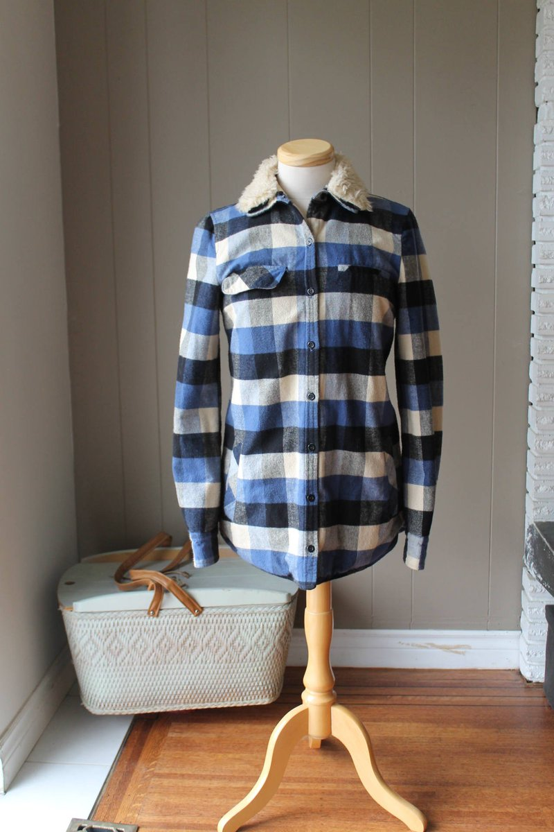 Upcycled 90s style Zara Trafaluc Buffalo Plaid Blue quilt lined Soft Cotto…  http:// tuppu.net/115eb373  &nbsp;   #Liinaloom #Zara <br>http://pic.twitter.com/ao4YjgG8An