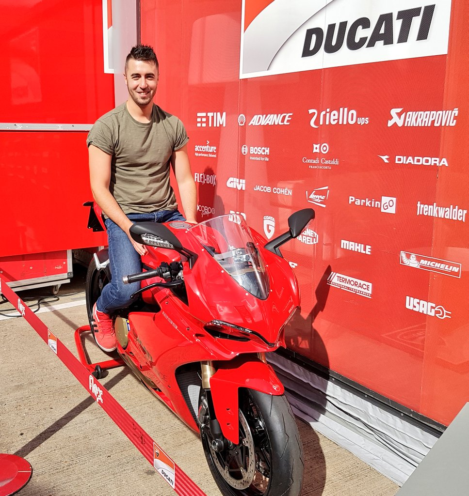"""ryan gregory on twitter: """"happy friday #ducati #panigale #lucky"""