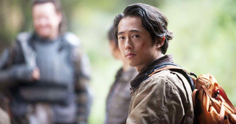 Pour Steven Yeun, un retour de Glenn dans #TheWalkingDead est toujours possible  http:// biiinge.konbini.com/series/retour- glenn-the-walking-dead/?src=biiinge_twitter  … pic.twitter.com/auSAj19GHa