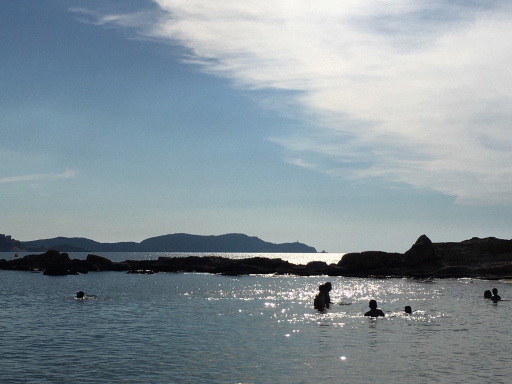 Evening swims #Arinella #Corse <br>http://pic.twitter.com/V4MBhSDxgc