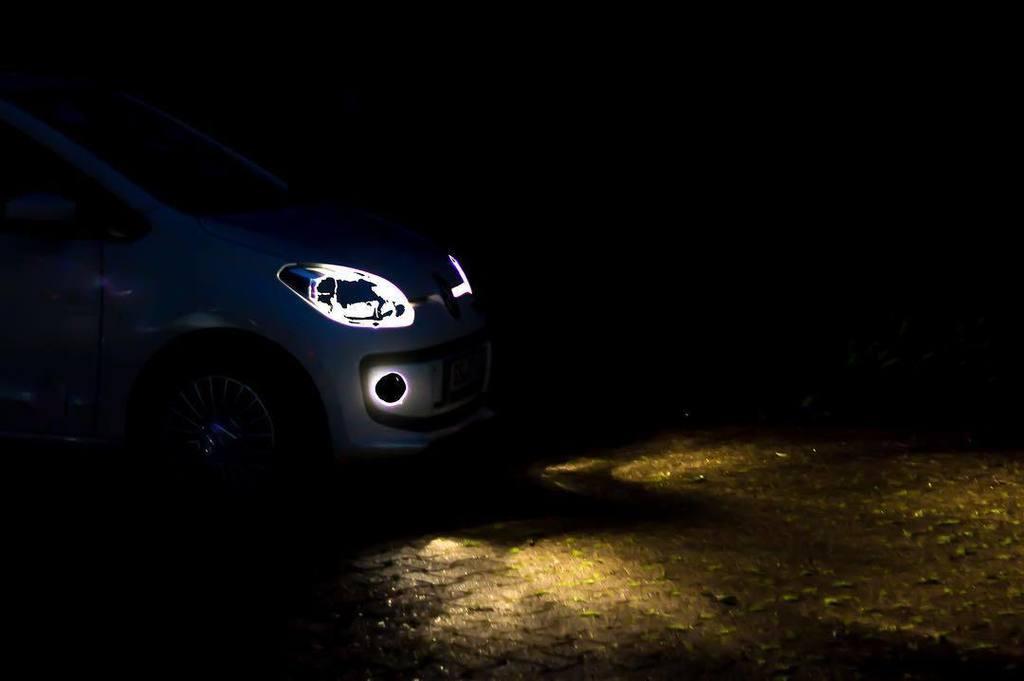 Let&#39;s go somewhere. #travel #car #lights #headlights #vehicle #eyeem #eyeemoninstagram #teamcanon #prtv #coophshou…  http:// ift.tt/2t35Uav  &nbsp;  <br>http://pic.twitter.com/i8vlwGIrsO