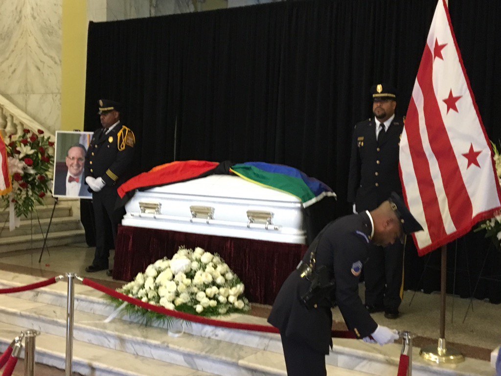 The late Jim Graham honored as former council member&#39;s body lies in repose at Wilson Building. #NBC4DC <br>http://pic.twitter.com/sj0WDF891b