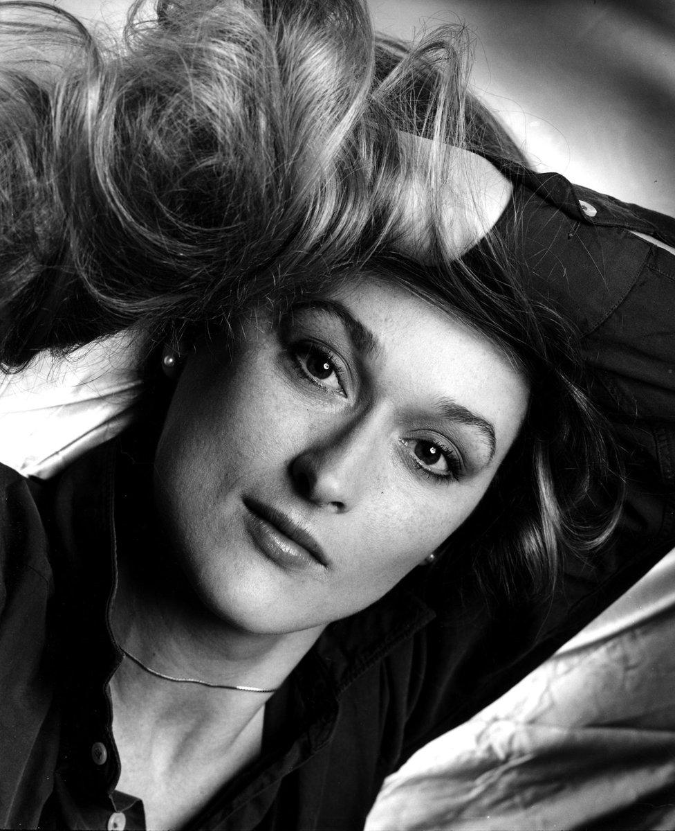 Happy 68th #birthday, #Meryl Streep!In honor of the Emmy...  http:// dlvr.it/PPZDlF  &nbsp;   #womensfashion<br>http://pic.twitter.com/9AF5X1qfYb