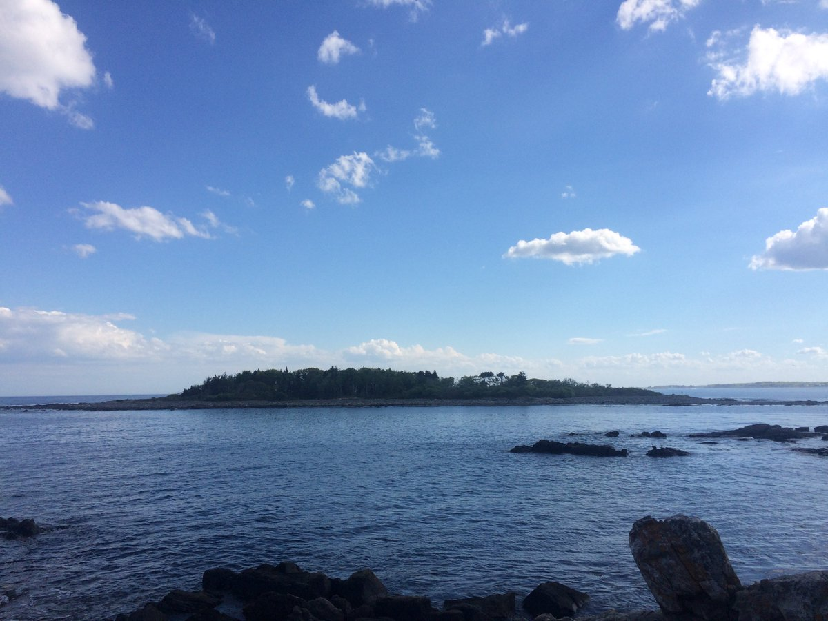 This beautiful #Maine view is right down the road at Timber Point! Head out there with friends to explore, bird watch, bike, &amp; more #UNE <br>http://pic.twitter.com/TWiumtAnPg