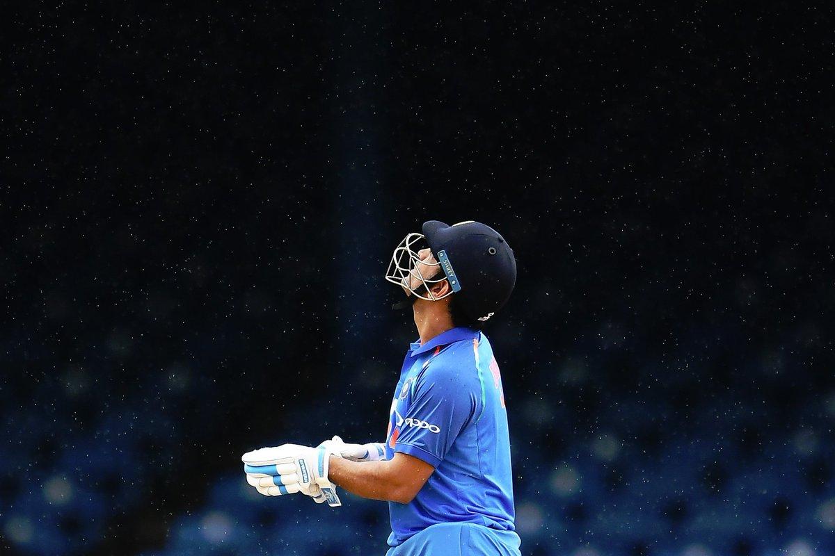 Ohh Rain !!  Don&#39;t come back again  @msdhoni #MSDhoni #Dhoni  #WIvIND #INDvsWI #IndvWI #TeamIndia #BleedBlue<br>http://pic.twitter.com/lB4grJr4fC