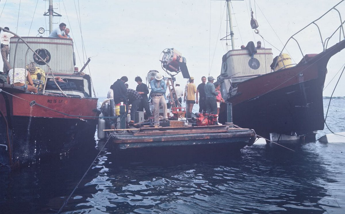 The making of a goddamn masterpiece! #Jaws <br>http://pic.twitter.com/T0QCgn1emD