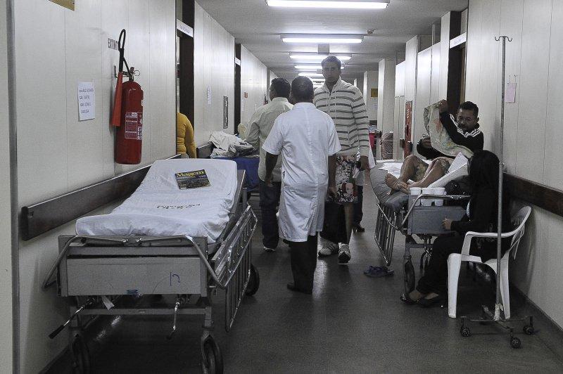 Secretário de Saúde do DF explica mudanças no Hospital de Base. https://t.co/sNEQpA6MlR Foto: Antônio Cruz/ABr