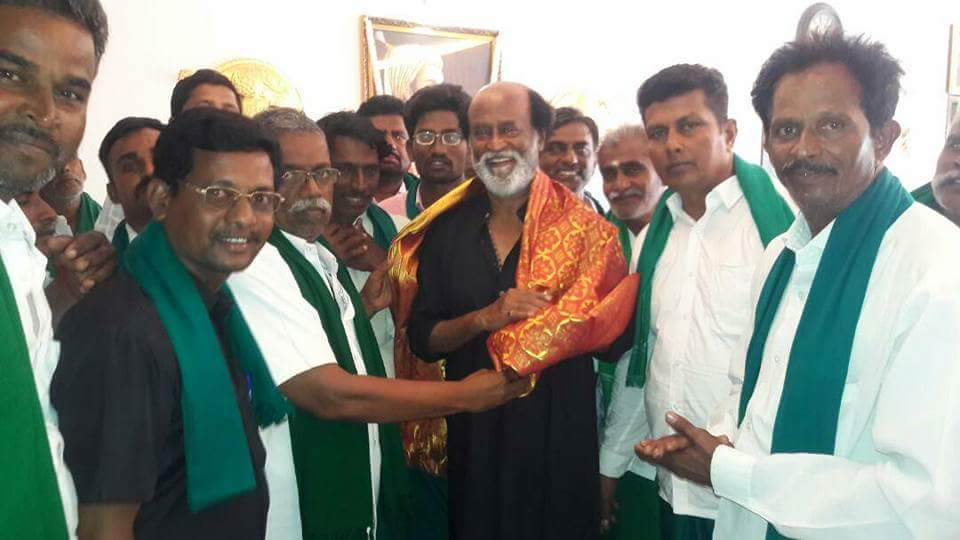 Superstar #Rajinikanth Met Farmers Few Days Back, Gurumurthy Says He Is About To Enter Politics Forming A New #Party.  RT If You&#39;re Excited! <br>http://pic.twitter.com/ekwSkQvgz8