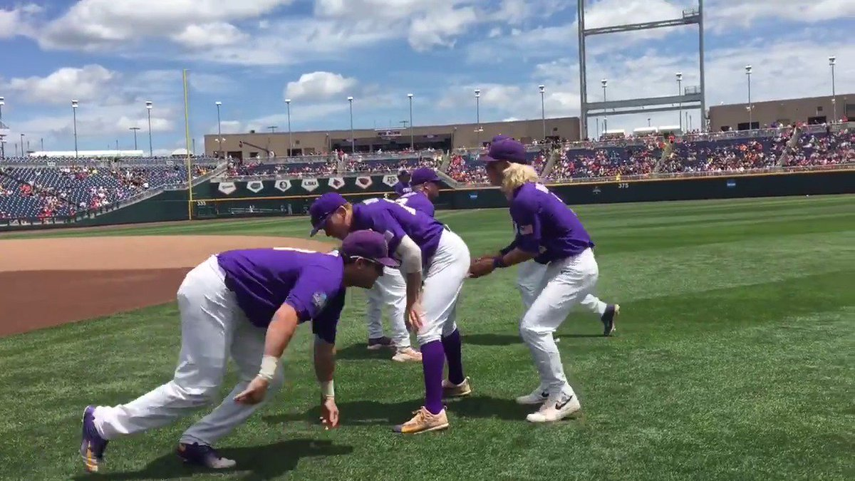 Starting at QB for @LSUfootball... #3... KRAMER ROBERTSON! #CWS https:...