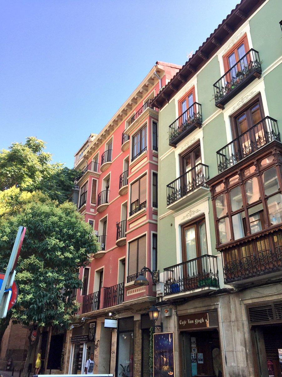 I love all the small side streets in #Zaragoza that are colourful &amp; full of balconies  #SpainCities @spain<br>http://pic.twitter.com/g3EPJXMLVl