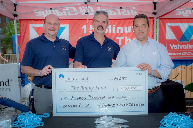 Valvoline Instant Oil Change scooped for cancer research, helping raise over $500,000 #giving  http:// ow.ly/nZEA30cQgjO  &nbsp;  <br>http://pic.twitter.com/3d6NTc20jR