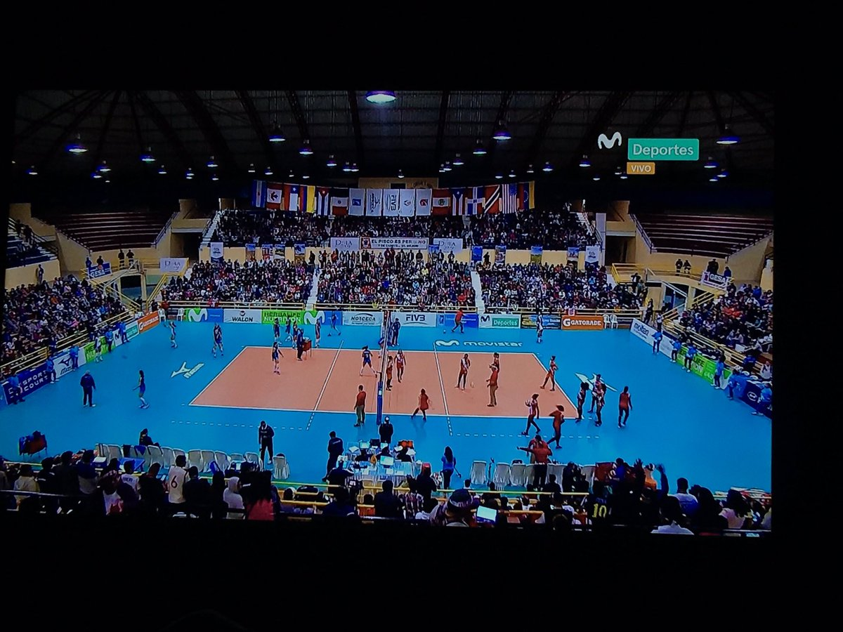 Ya en #ModoVoley vamos #Perú 💪🏽 https://t.co/4oJrgQqnny
