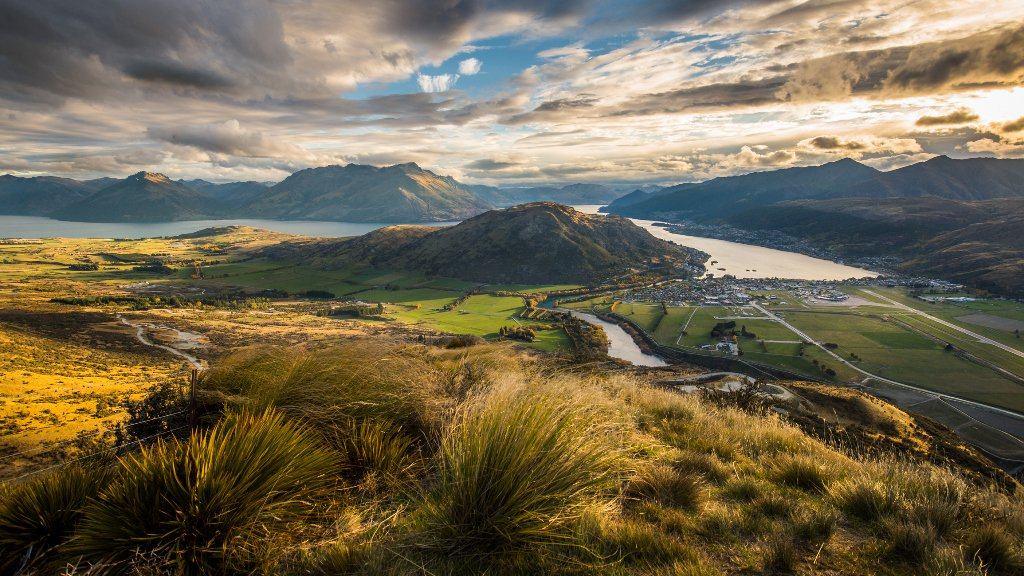 Photographing the most beautiful places in #Queenstown, @PureNewZealand https://t.co/lnbV2SWgvC. #photography https://t.co/i2xhXurrub