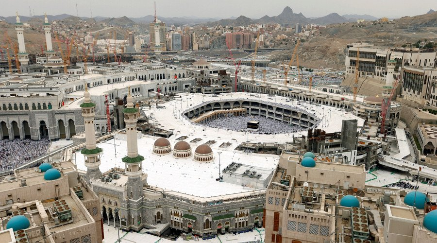 Saudi security forces foiled an attack on the Grand Mosque, considered as world's holiest site, in the city of Mecca on Friday, state television reported.