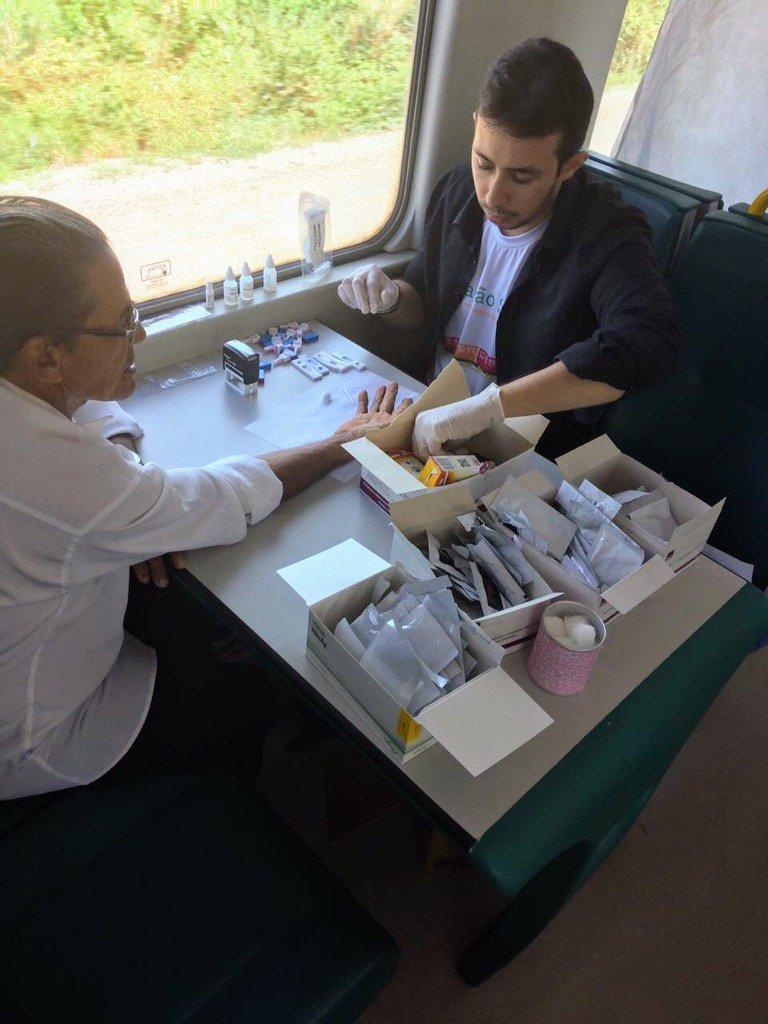 No trem de passageiros da Vale, nossos profissionais de saúde fazem atendimento hoje. Agradeço a parceria da Vale.