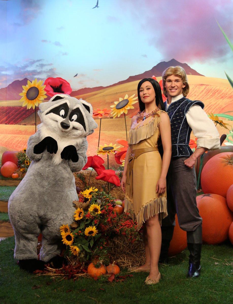 HAPPY BIRTHDAY #Pocahontas    #JohnSmith #Meeko #DisneyMovies #Disney #DisneylandParis #DLP<br>http://pic.twitter.com/a5mpqb0Ota