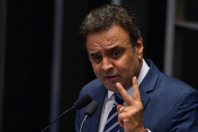OAB avalia que arquivamento de pedido de cassação de Aécio, no Senado, é 'debochar da sociedade'