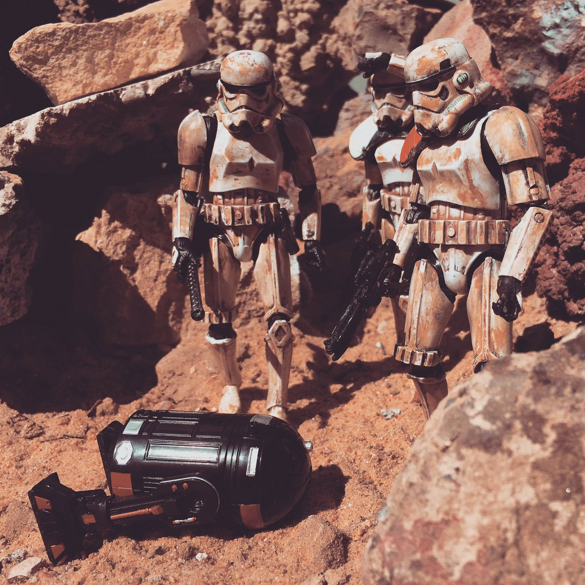 Just some #Trooper shots from the archives #ActionFigure #StarWars #Stormtrooper #HanSoloMovie #Solo @Kwehttamm @Genxwing @nigel_kirton<br>http://pic.twitter.com/VGBH8kfUvC
