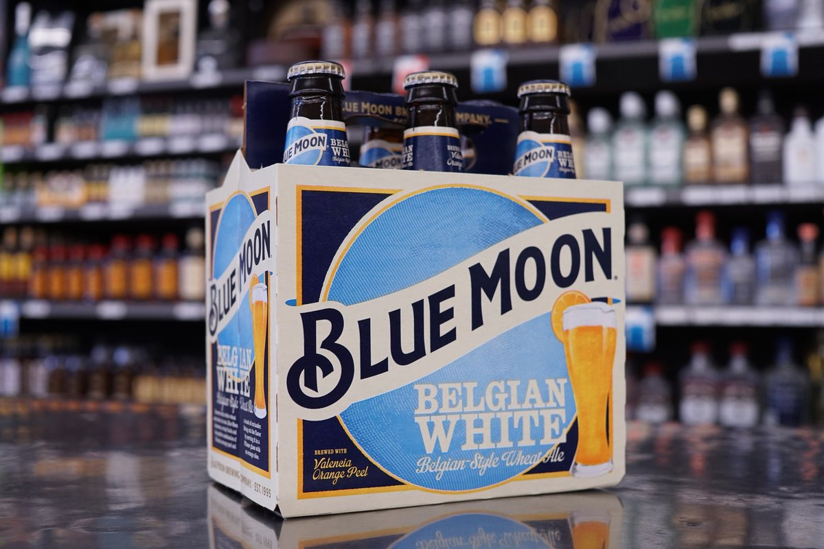 Blue Moon Belgian White #ColdBeer - crisp tangy refreshing, perfect fo...