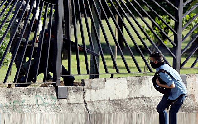Crise na Venezuela: Pai de manifestante morto diz que foi chefe de Maduro e pede 'justiça' https://t.co/ITaWDY0b9D
