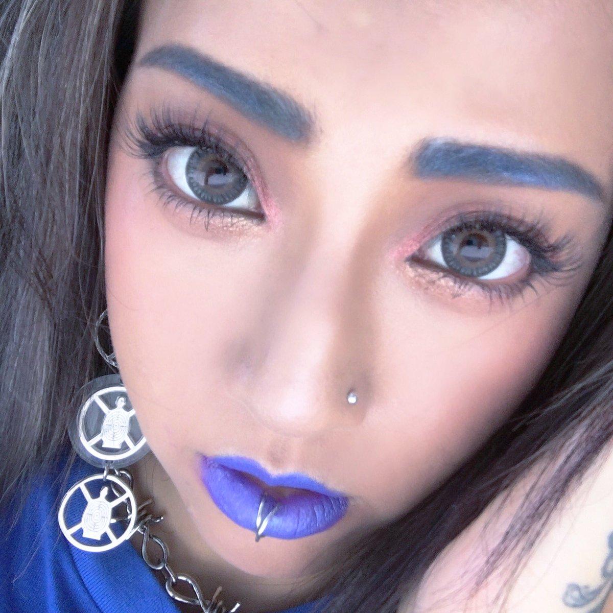 got #eyelashextensions done #flawless by @malibu_oyama <br>http://pic.twitter.com/ZQcDaAbku8