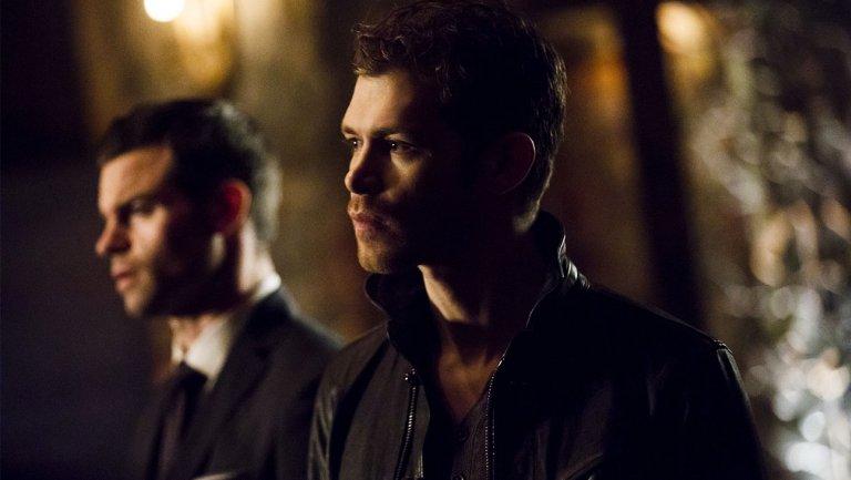 #TheOriginals boss talks potential spinoff, #TVD crossover and season...