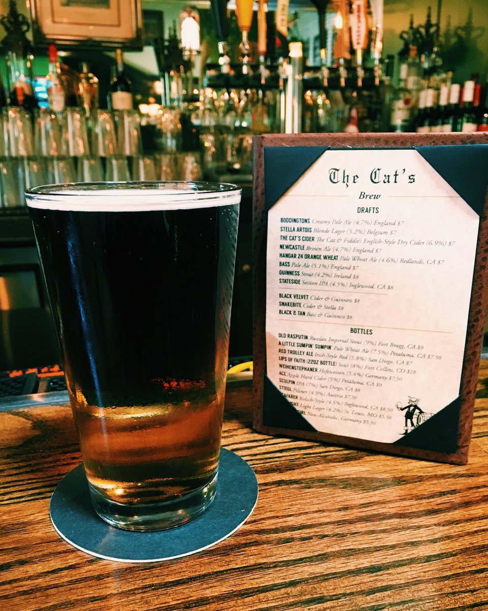 It&#39;s a #layeredbeer kind of Friday. Here is our Black Velvet - with #Guinness &amp; Cider. Drink up!! #TGIF<br>http://pic.twitter.com/OKgE1q1BHw