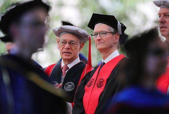 MIT grads are already taking Tim Cook's graduation advice @melodyhahm https://t.co/yesMKvz3J1