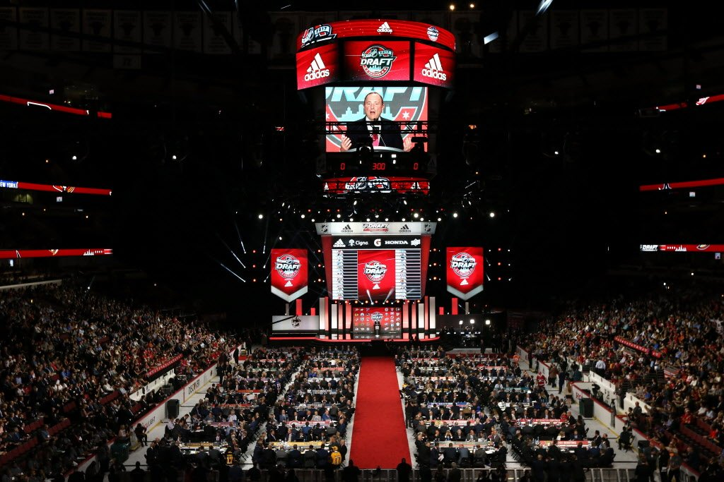 #Blackhawks select Finnish defenseman with first-round pick. Quick sto...