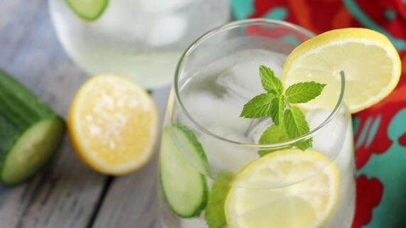 #Spa #water #recipe? Two lemon slices Two cucumber slices Fresh mint leaves Mix ice and enjoy            #HydrationDay<br>http://pic.twitter.com/oV6gjeb6H9