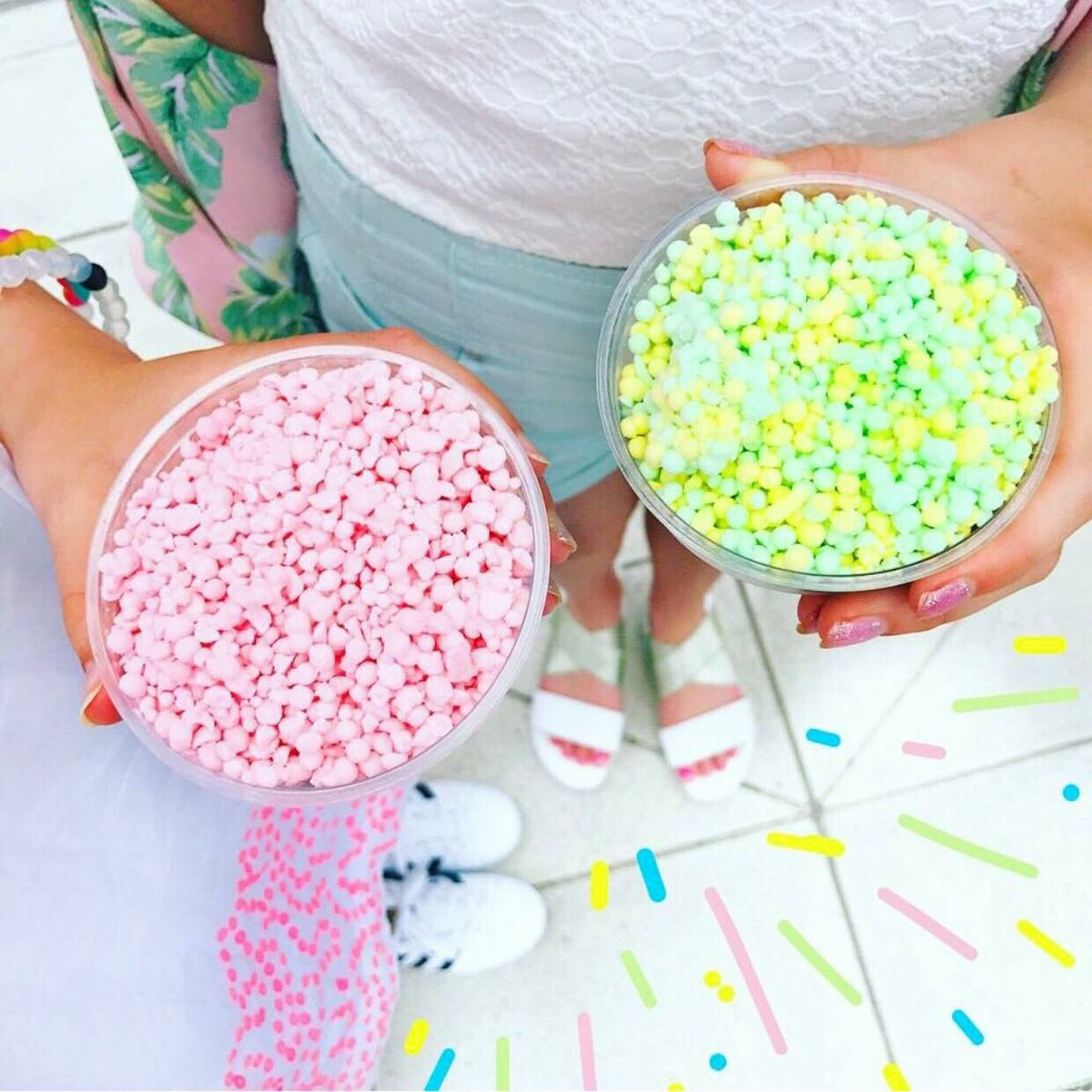 🍡🍡 Cheers to the weekend #Friyay #DippinDots https://t.co/JSwlczAj5u