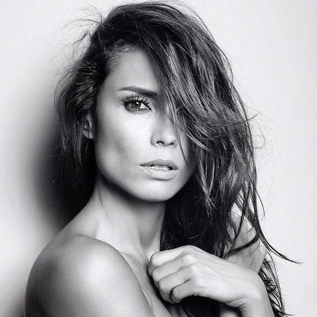 Christie Miro Nude Photos 3